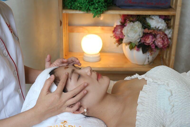 Tẩy tế bào chết giúp làm sạch sâu và loại bỏ độc tố bám trên bề mặt da