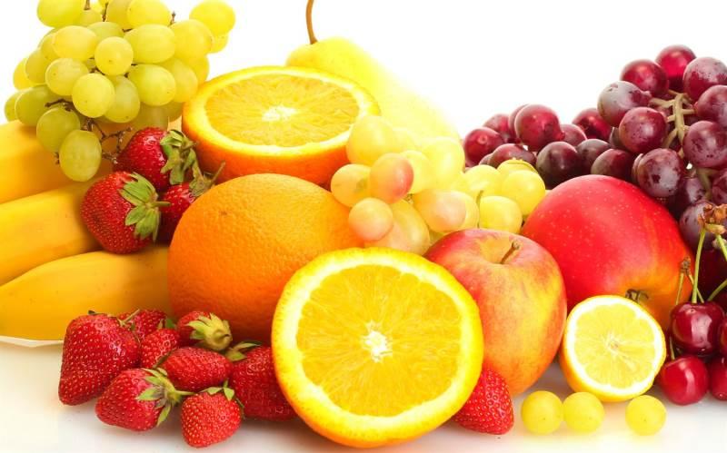 Phun mày da dầu nên bổ sung nhiều vitamin có trong hoa quả để giúp chân mày lên màu đẹp và bền lâu