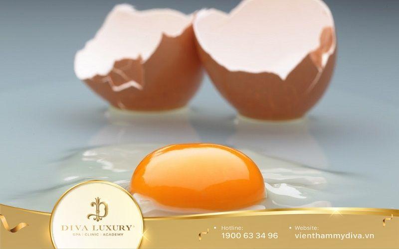 Trị nám bằng lòng trắng trứng gà.