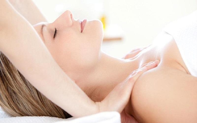 massage-nguc-9
