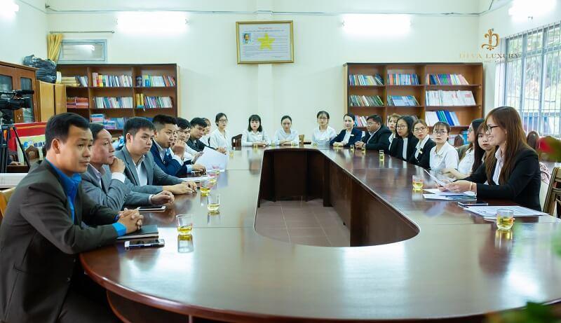 Dự lễ thành lập có mặt của ban lãnh đạo các cùng toàn thể cán bộ, đoàn viên công đoàn trong công ty.